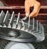 搬动高压吸风机时要防止重物砸坏设备